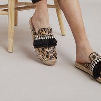 Le scarpe di tela e corda non passano mai di moda