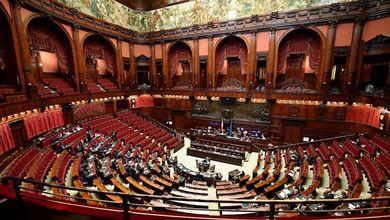 Il Parlamento rischia di essere sommerso dai rifiuti
