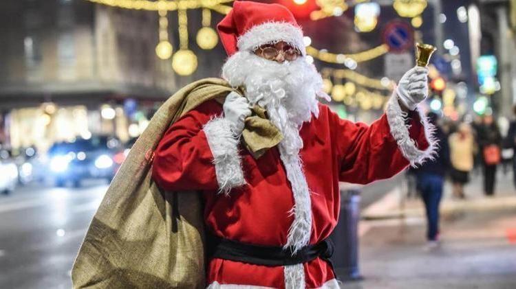 La Foto Di Babbo Natale.Barba Bianca Vera E Corporatura Robusta Cercasi Sosia Di Babbo Natale La Stampa