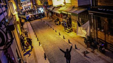 Rock, silenzio e nonviolenza: così gli studenti difendono l'università dalle mani di Erdogan