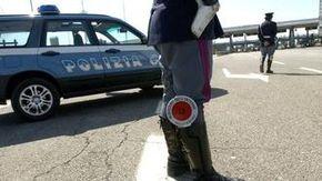 Grave incidente sull'A5: auto con famiglia svizzera finisce fuori strada all'uscita di Volpiano
