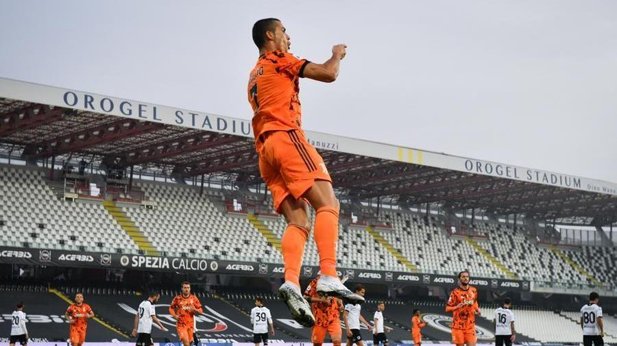 Calcio, la Juve targata CR7 inchioda lo Spezia per 4-1 - La Stampa