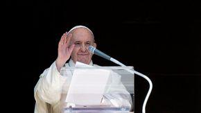 Economia, il Papa: serve un salario universale e la riduzione dell'orario di lavoro