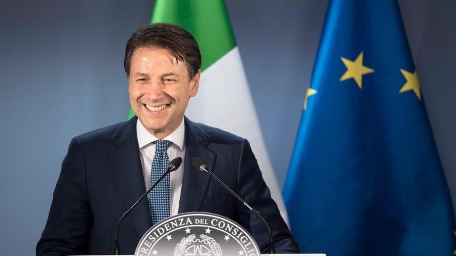 "L'ira di Conte contro M5S e Renzi: ""O con me o fuori"" - La Stampa ..."