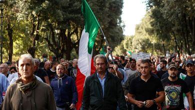 Incontri, guerriglia, devastazione: così i neofascisti si sono presi le piazze no vax per fare pressioni su Fratelli d'Italia