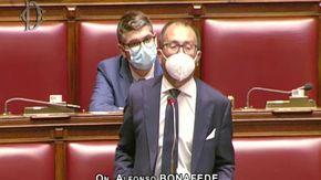 """Giustizia, la Camera approva. Caos all'intervento di Bonafede. Lui: """"Con noi nessuna restaurazione"""""""