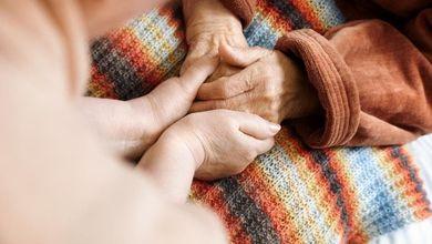 """""""Le nostre madri con l'Alzheimer e i nostri padri allettati dimenticati dalla politica"""""""