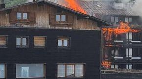 Trento, in fiamme l'hotel Dolomiti sul monte Bondone: non c'erano ospiti