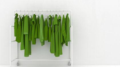 Verde: indossa il colore che dona calma e energia, dagli abiti al make up