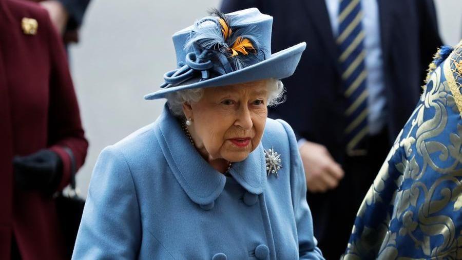Coronavirus, compleanno senza colpi di cannone per la Regina Elisabetta