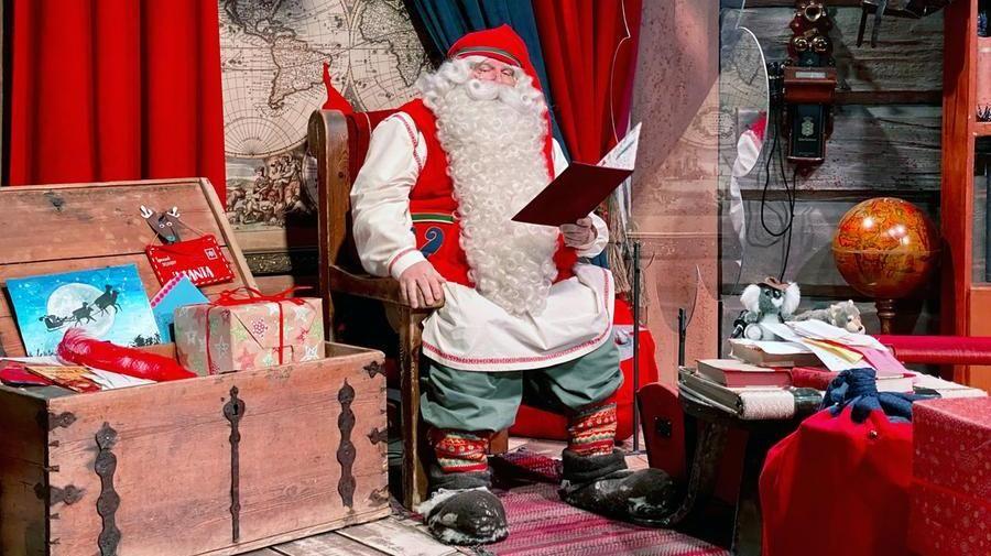 Il Babbo Natale.Causa Coronavirus In Finlandia Il Paese Di Babbo Natale E Stato Abbandonato Dai Turisti La Stampa