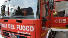 Incendio in una casa di due piani a Terranova di Casale Monferrato
