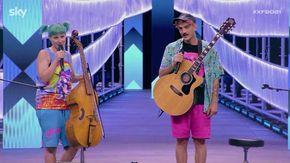 X Factor, la liutaia e l'autodemolitore cantano Ambra: i Garbino sorprendono Emma e Mika