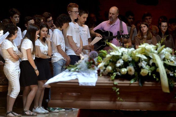 Ciao Giovanni Il Funerale Dello Studente Del Romagnosi Parma La Repubblica