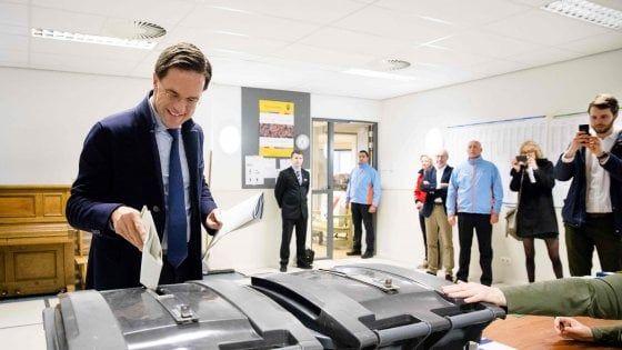 Boom populista in Olanda, il governo perde la maggioranza