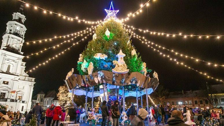 Immagini Per Il Natale.Il Natale E Anticonvenzionale A Kaunas La Stampa