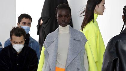 La collezione primavera-estate 2022 di Shang Xia debutta a Parigi