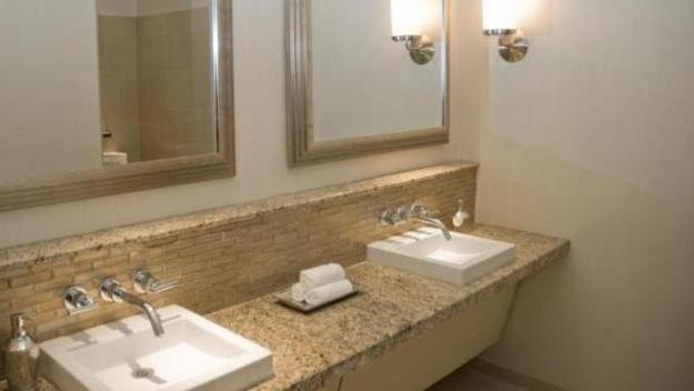 Il doppio lavabo in bagno - La Stampa
