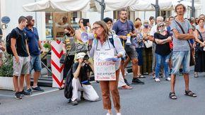 """Oggi pomeriggio in centro a Novara sit-in e poi un nuovo corteo dei """"No green pass"""""""