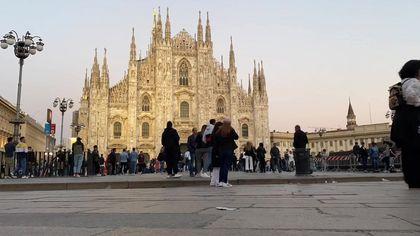 """Milano, boutique vs e-commerce. Tra le certezze degli avventori: """"I social dettano i trend della moda"""""""