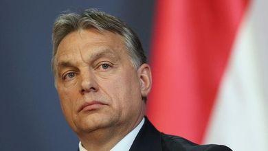 La battaglia contro lo strapotere di Orban arriva dal teatro