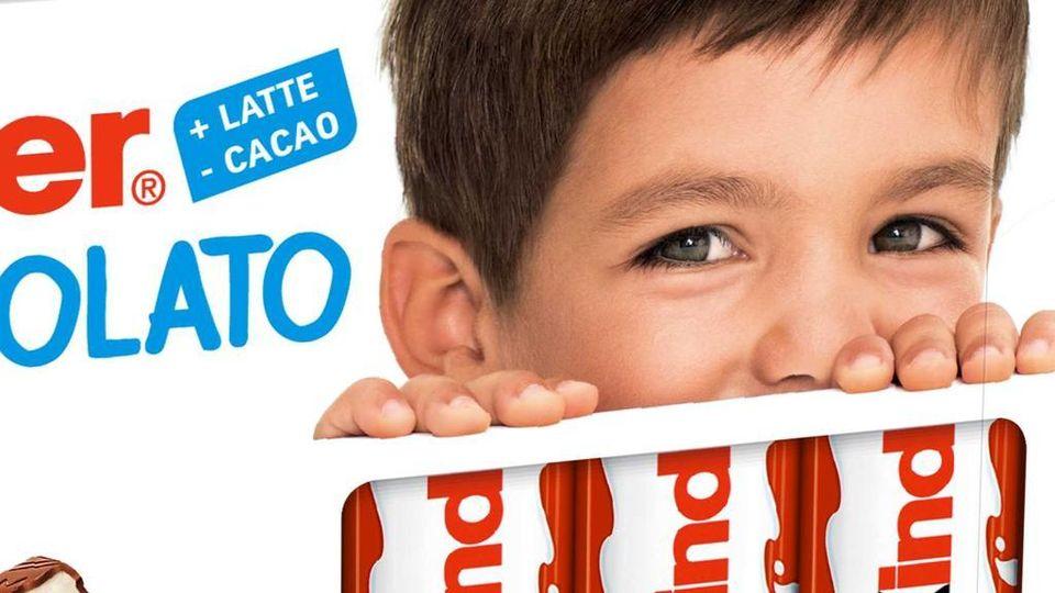 Bambino Barrette Kinder.Mezzo Secolo Di Barrette Kinder Cioccolato La Ferrero Cambia