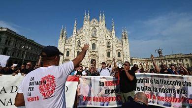 L'antifascismo da operetta della piazza no-vax