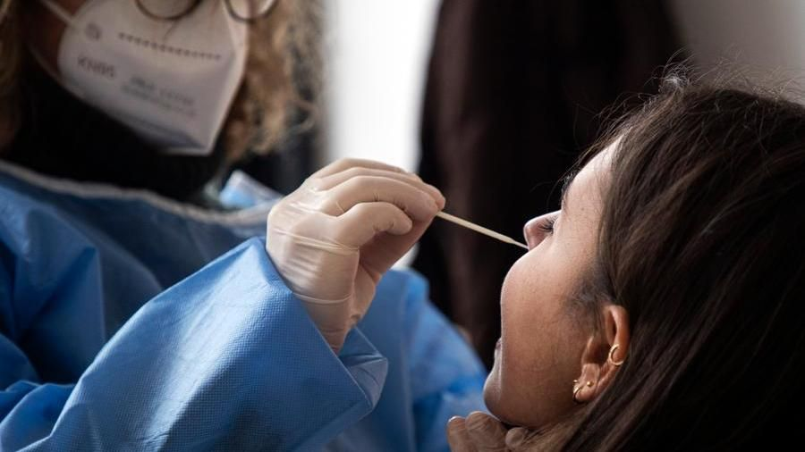 Il bollettino del coronavirus: 3 morti, continua la discesa dei ricoveri in Piemonte