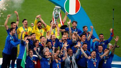 Italia campione d'Europa: i rigori e la gioia finale
