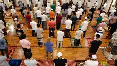 Al via il Ramadan ai tempi del Covid, tra le rassicurazioni sul vaccino e il pericolo di focolai
