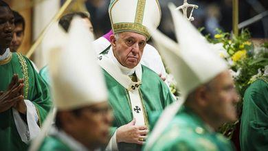 Chi c'è dietro la furia sovranista contro Papa Francesco