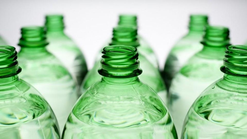 Un Eco Condizionatore Fatto Con Le Bottiglie La Stampa