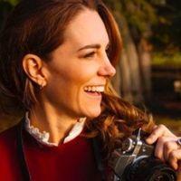 Kate Middleton, il colletto come Diana nel libro fotografico Hold Still