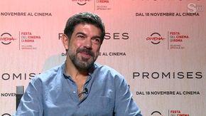 """Pierfrancesco Favino: """"In Promises di Amanda Sthers sono un eroe romantico"""""""