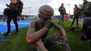 Piange, ride, urla: l'emozionante esultanza di Sonny Colbrelli dopo la vittoria della Parigi Roubaix