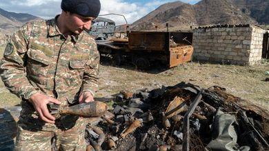 L'esodo degli armeni dal Nagorno Karabakh: tra case date alle fiamme e odio per la politica