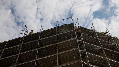 Il Far West dell'edilizia: l'Italia soffocata da 51 chilometri quadrati di cemento all'anno