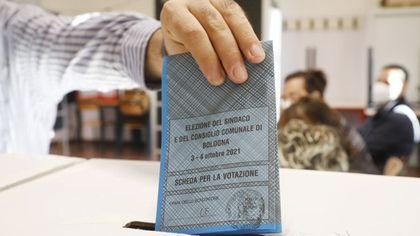 Bologna, i risultati delle elezioni comunali: Lepore 61,90% - Battistini  29,64%. Affluenza: 51,16%