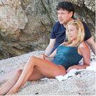 Il premier Giuseppe Conte si rilassa al mare con la compagna Olivia Paladino. Gli scatti della pausa al Circeo