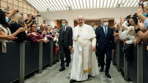 Argentina, un nipote del Papa ferito nel corso di un attacco a una Ong