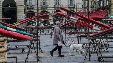Il mercato all'aperto più grande d'Europa ora racconta il vuoto di questi giorni d'emergenza