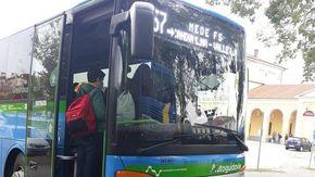 Casale e i suoi 2 mila studenti pendolari: debutta la App Bus2School, i percorsi si prenotano online