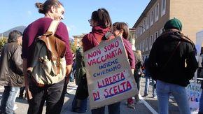 """I no-Green pass di Verbania: """"Non è una battaglia contro i vaccini, noi siamo per la libertà di scelta"""""""