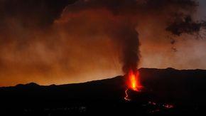 Canarie, si placa il vulcano Cumbre Vieja dopo 8 giorni