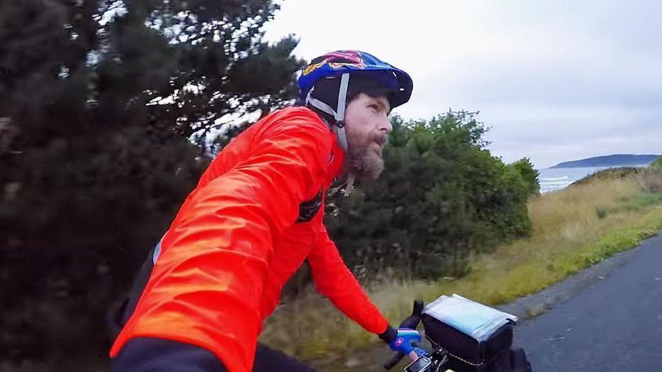 La Nuova Zelanda In Bici Jovanotti Svela Un Pezzo Del Suo Docu Film