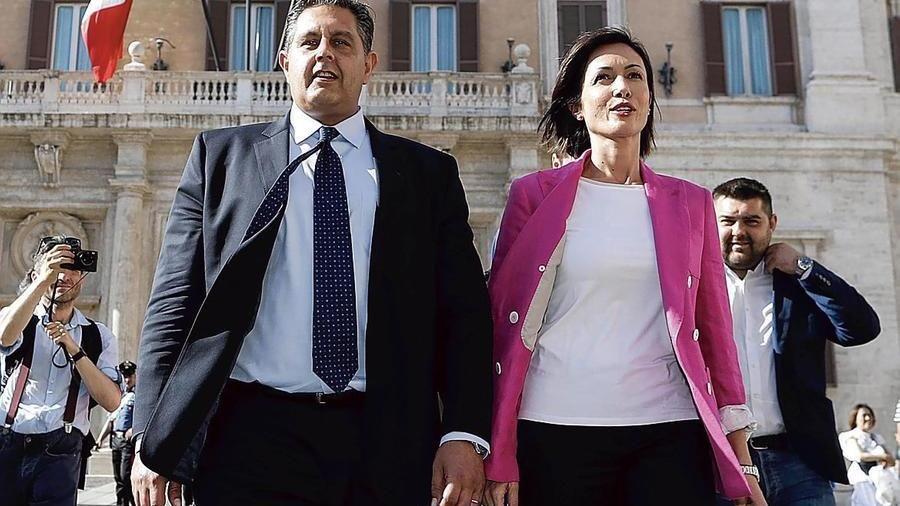 Berlusconi licenzia Toti e Carfagna. Forza Italia allo sbando rischia di sparire .