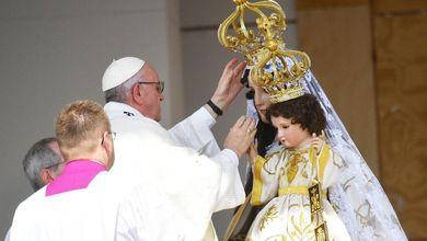 Pedofilia, ecco come papa Francescoha promosso chi ha insabbiato lo scandalo<br />