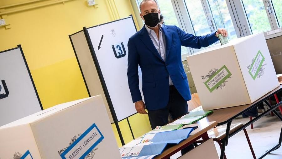Administrative elections 2021, the celebrities of politics to vote: the photogallery