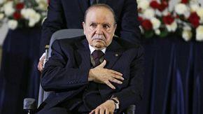 Algeria, morto l'ex presidente Bouteflika: 20 anni al potere fino al 2019