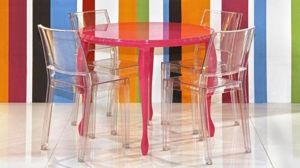 Produzione Sedie Plastica Economiche.Le Sedie In Plastica D Ispirazione Sixties La Stampa